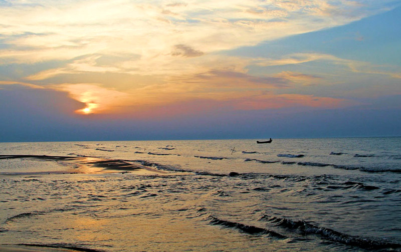 ساحل زیباکنار