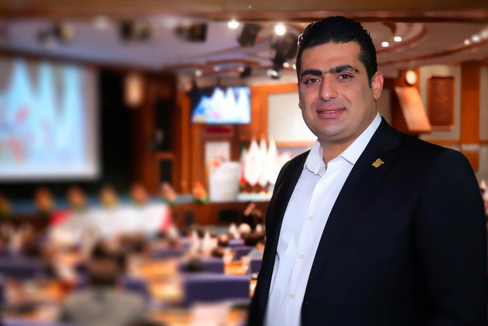amin taghipour111 - امین تقی پور بعنوان جوانترین کارآفرین و مدیر اشتغالزا کشور برگزیده شد