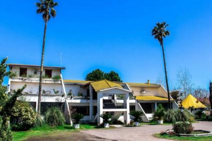 هتل بهارستان زیبا کنار