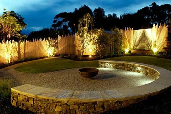 نورپردازی باغچه ی ویلا