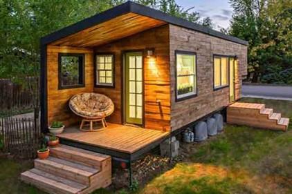 ساخت کلبه چوبی در باغ ویلا